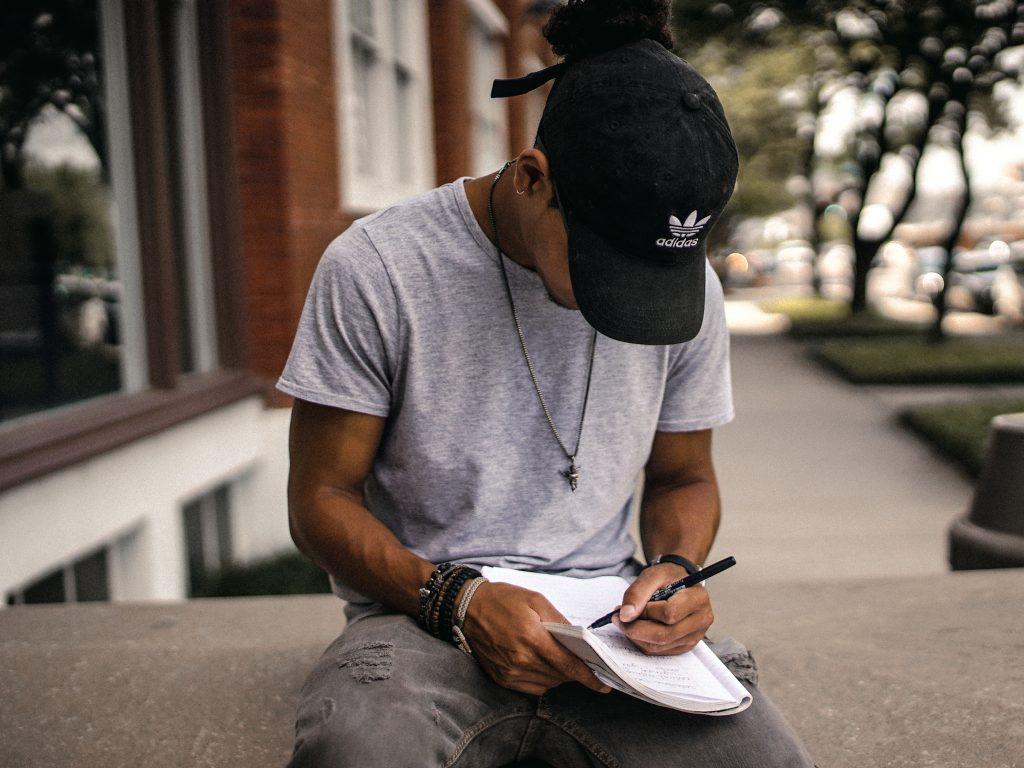 大学受験の不安の解消法は勉強を続けること