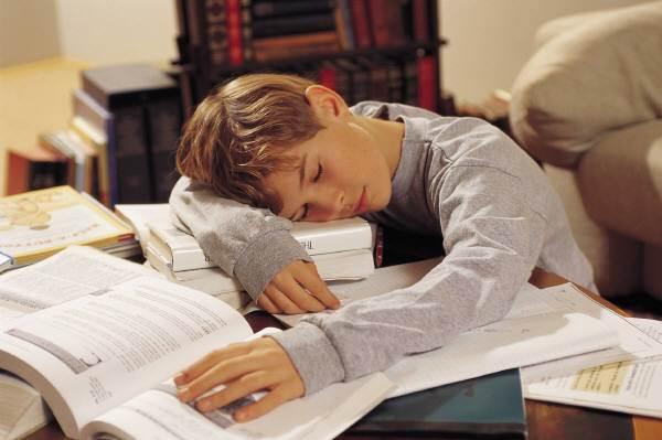 勉強のやる気を出す方法「仮眠を取る」