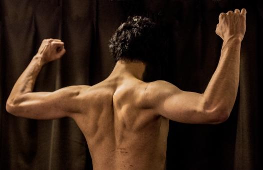 運動不足の受験生におすすめのウエイトトレーニング「背筋」