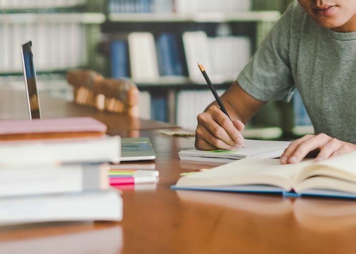 高校の勉強についていけないと感じたら勉強のやり方を変えてみる