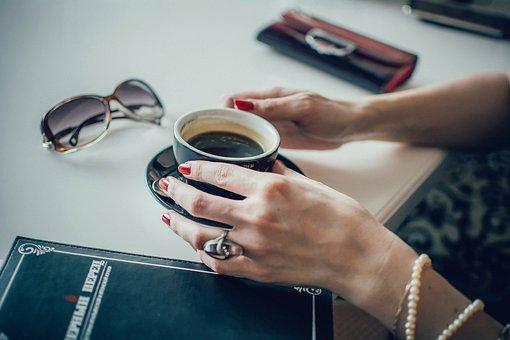勉強中眠い時の対処法『カフェインを取る』