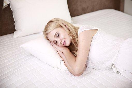 勉強中に甘いものを取らないメリット『眠くなってしまう』