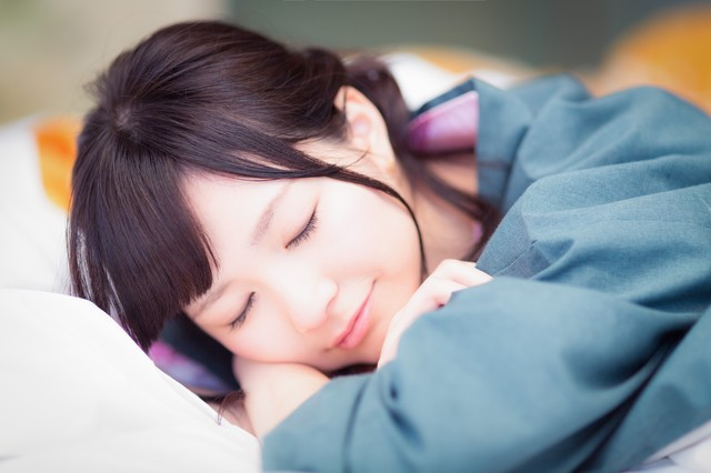 勉強中に眠くなったら寝るのが一番