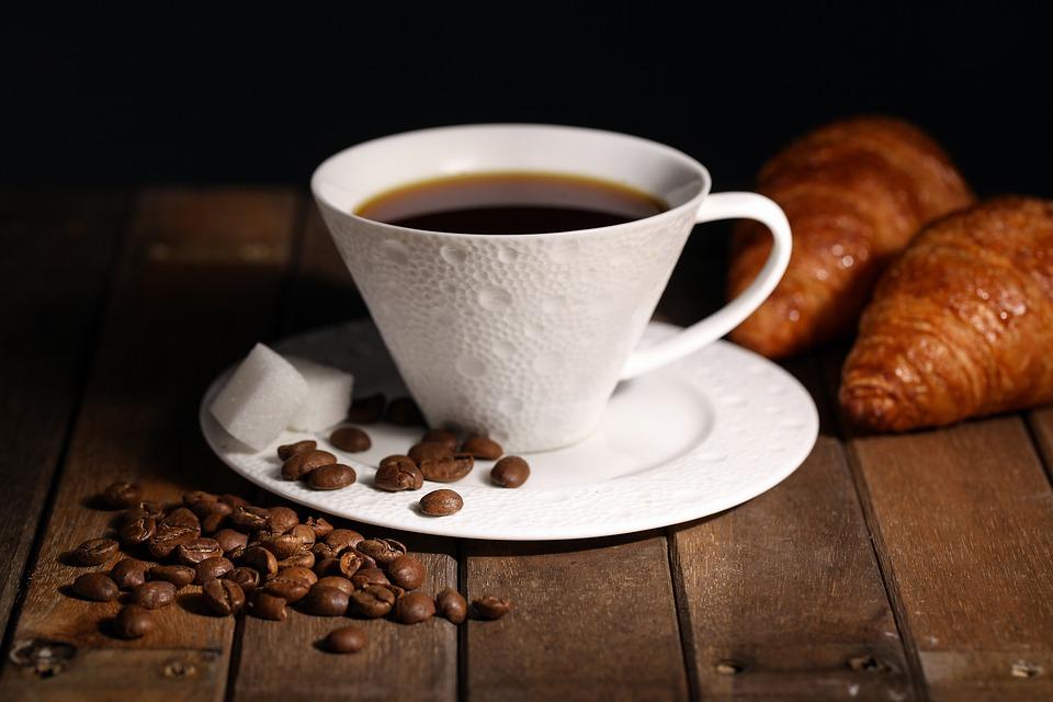 勉強に集中したい時に良い飲み物はコーヒー