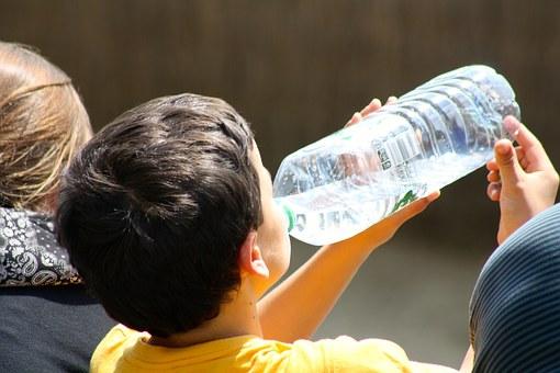 大阪地震の対策法「5日程度の飲料水と非常食の確保」