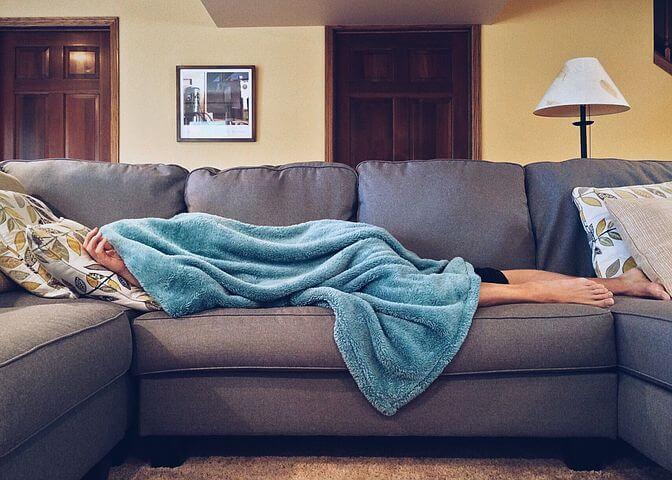 徹夜で勉強することのデメリット「生活リズムが狂う」