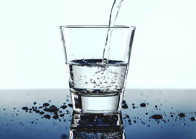 勉強中に起こる脱水型頭痛の原因